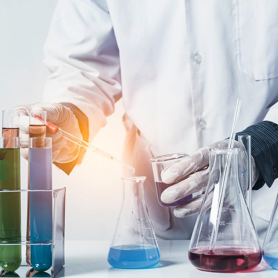 Logiciel adapté aux enjeux du secteur de l'industrie chimique